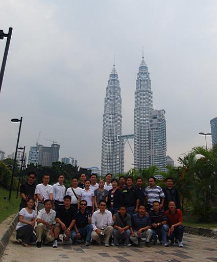 马来西亚双子塔合影