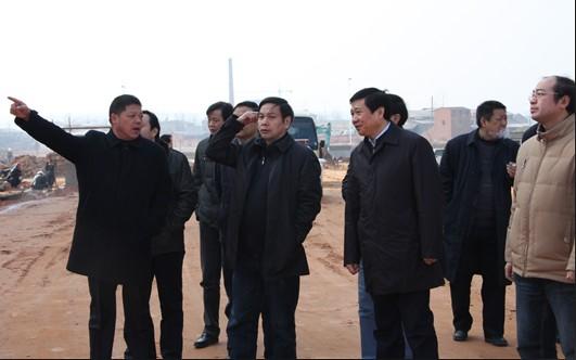 省经信委主任欧阳万坤视察厦工楚胜